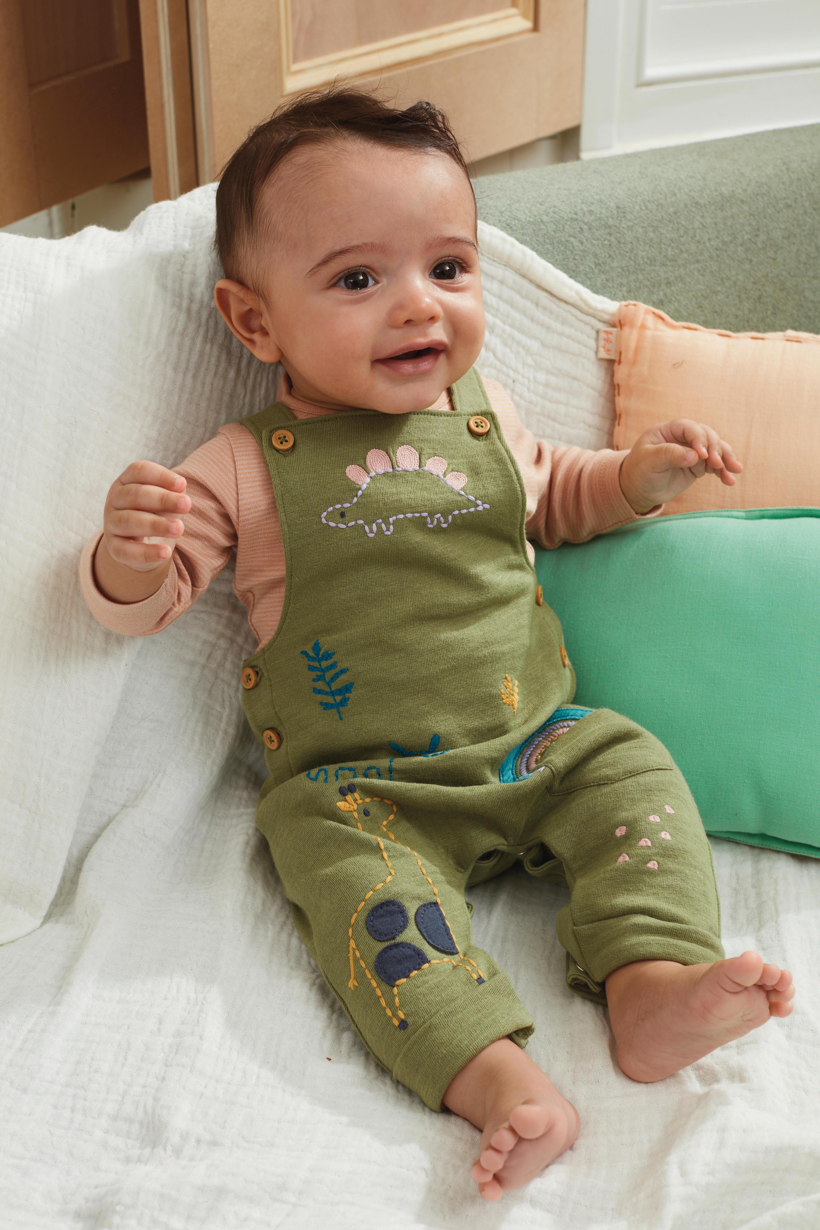 Babykleidung aus Bio-Materialien