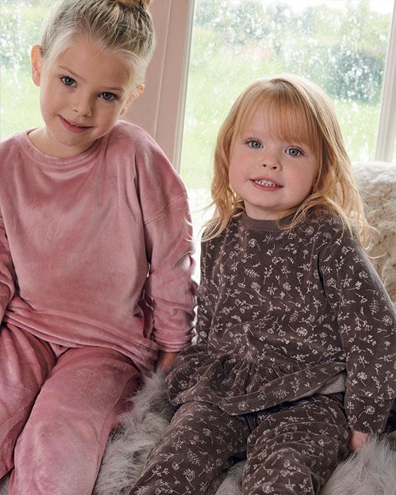Dievčenské sety a outfity
