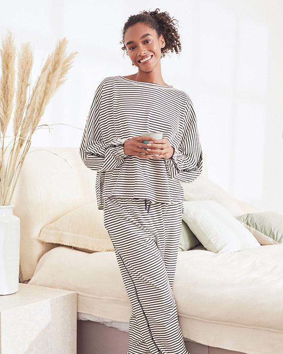 ملابس النوم للنساء